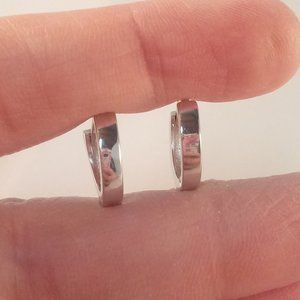 Jewelry - Silver Hoop Huggie 14mm Earrings 925S